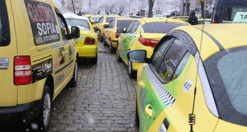 """И ВАП иска """"Автомобилна администрация"""" да провери новия Uber – """"Максим"""""""