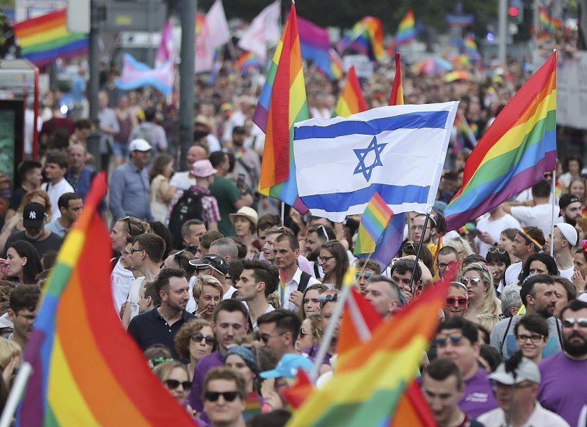 Много политически дебати заради гей парада във Варшава