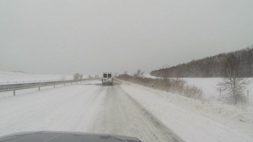 Пътната обстановка в Добричко остава усложнена