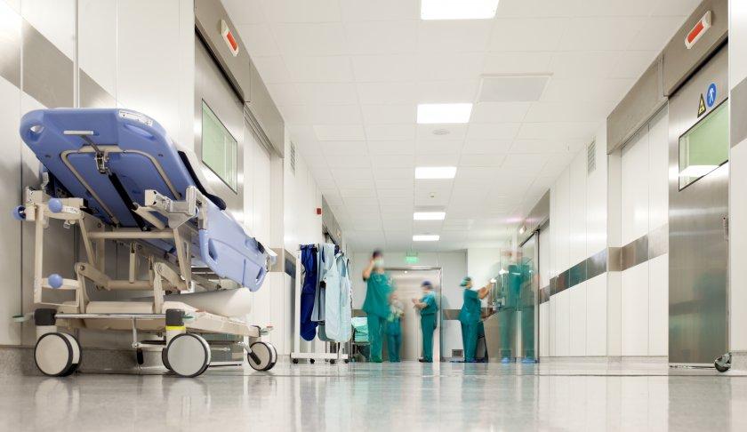 Официално: Управителите на лечебни заведения ще могат и да лекуват пациентите си