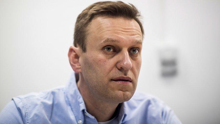 Алексей Навални остава в килията