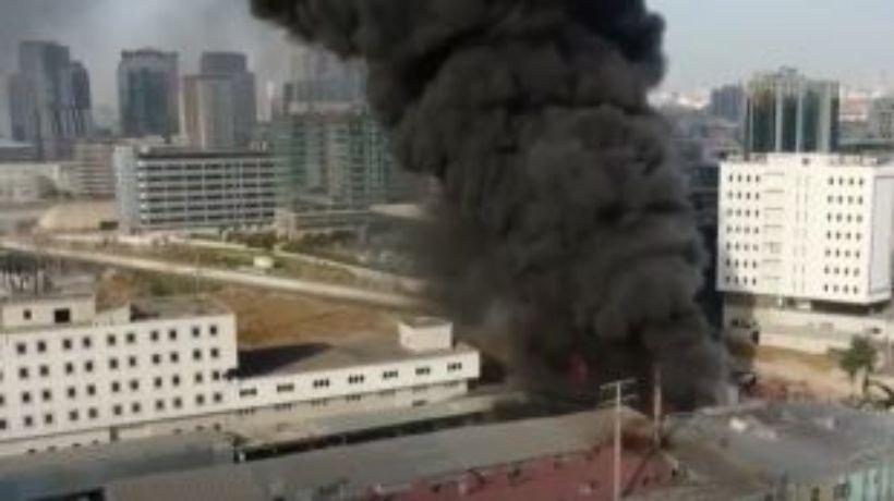 Мощен пожар в Истанбул
