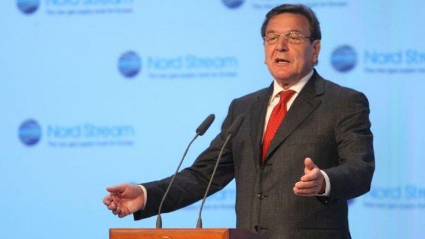 """Герхард Шрьодер и бивша австрийска външна министърка номинирани за шефове в """"Роснефт"""""""