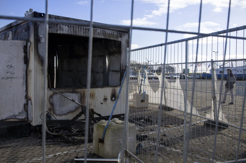 Умишлена експлозия на място за тестване за COVID-19 в Нидерландия
