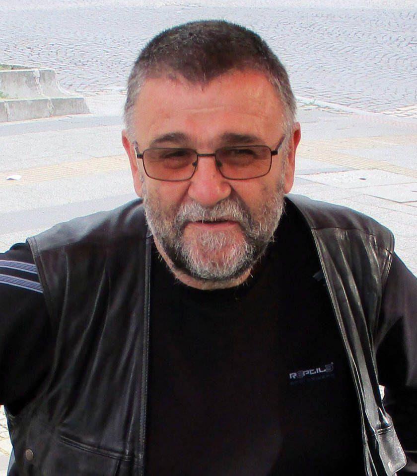 Писателят Христо Стоянов: Загиваме с такива Маи и Корнелии