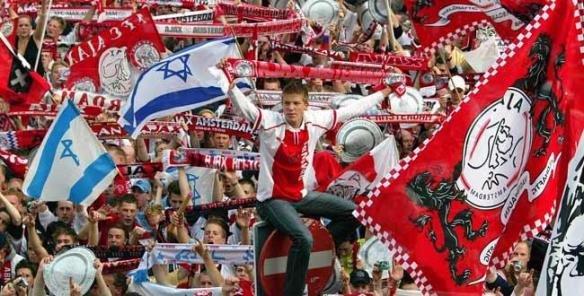 Нидерландия връща феновете по стадионите