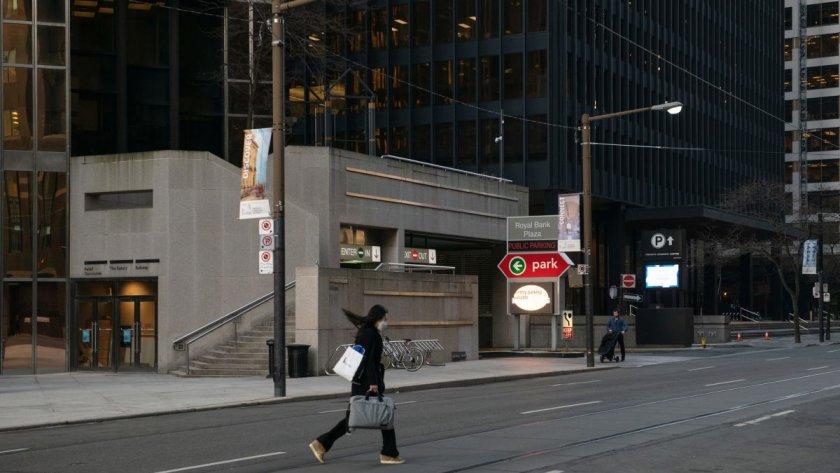Външно предупреди: Онтарио е в пълен локдаун