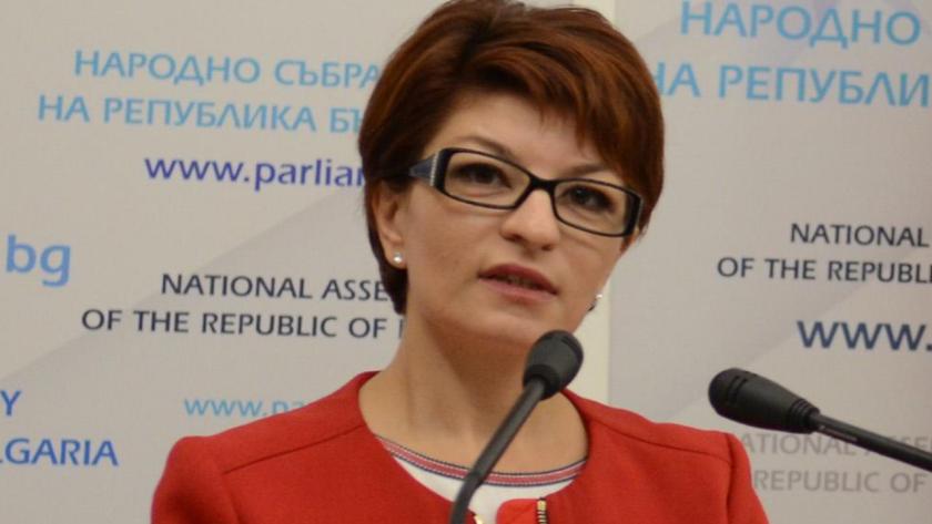 Десислава Атанасова: Целта е ясна - викат Борисов, за да го обиждат в парламента