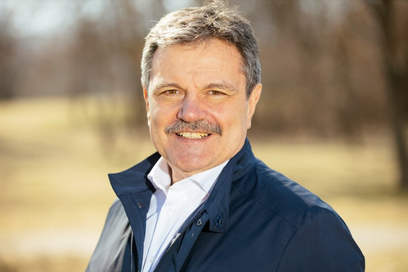 Д-р Симидчиев възмутен: Защо разпуснаха НОЩ?