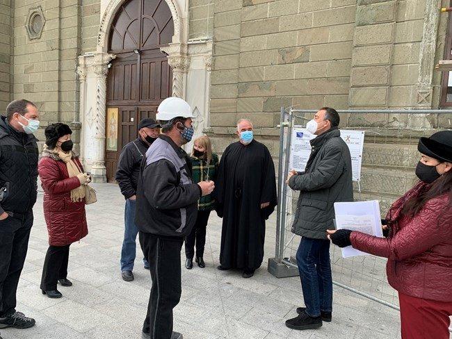 """Стартира реставрацията на катедралния храм """"Св. св. Кирил и Методий"""" в Бургас"""