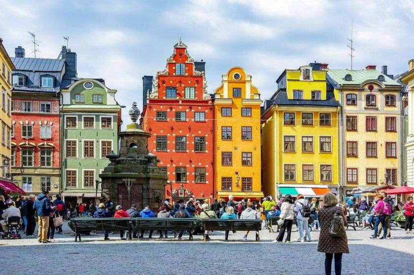 Швеция облекчава мерките за ваксинирани