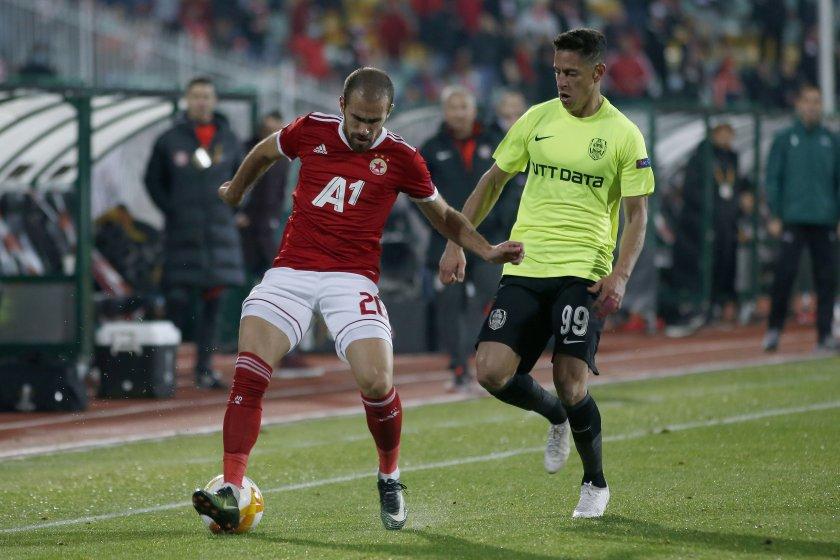 Пратиха халф на ЦСКА при сръбската лечителка Марияна
