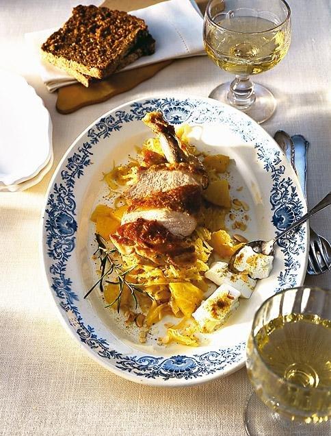 Свинско къри със зеле и ананас