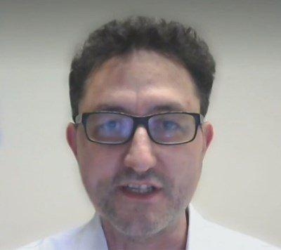 Учен от Берн: Не е ясен ефектът от комбинация на 2 ваксини