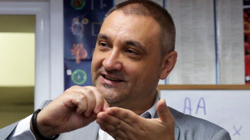 Проф. Чорбанов се изправя лице в лице с проф. Ангелов
