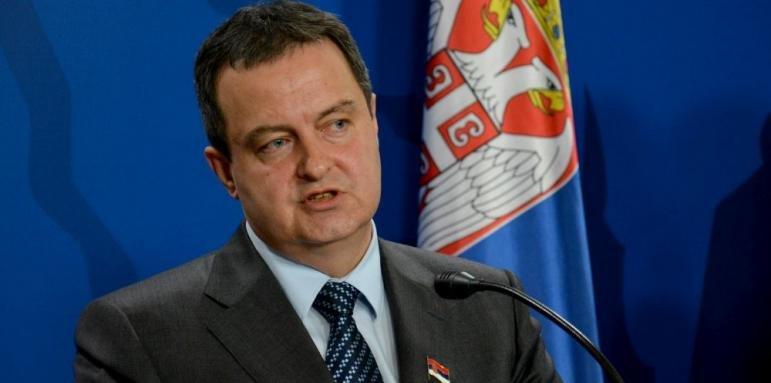 Разследват шефа на сръбския парламент за оргии с непълнолетни момичета