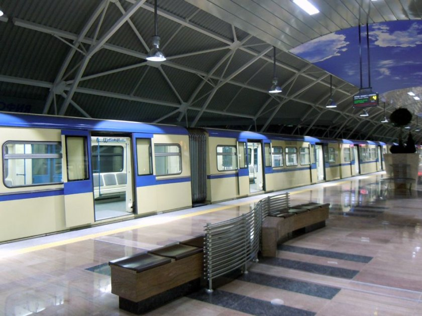 Възстановиха движението на метрото след стрелбата
