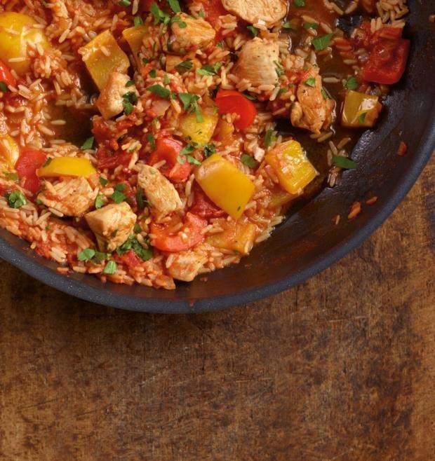 Пилешко паприкаш с ориз