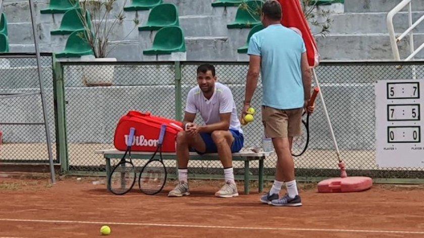 Григор Димитров тренира в Хасково пред погледа на Лолита