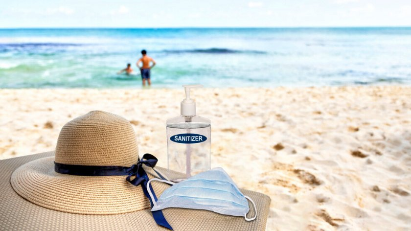 Солени глоби за плажуващите без маски в Португалия