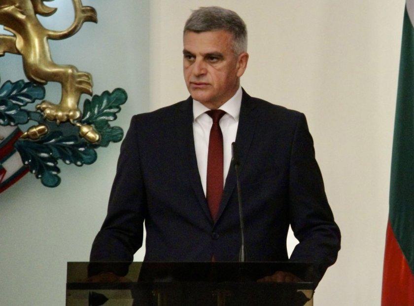 Стефан Янев се срещна с американския посланик