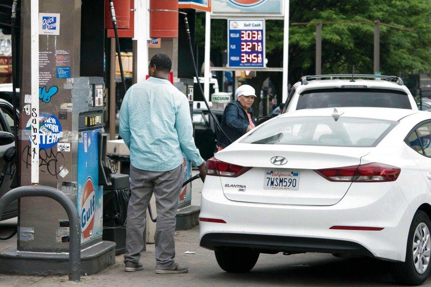 Американците се презапасяват с гориво
