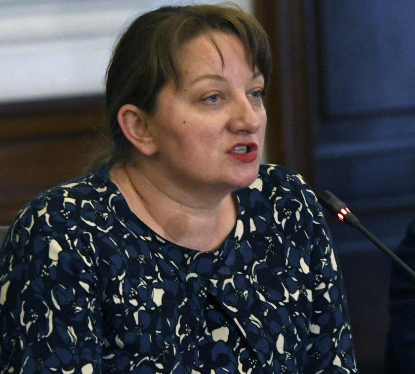 Деница Сачева: Всички социални мерки са обезпечени до края на юни