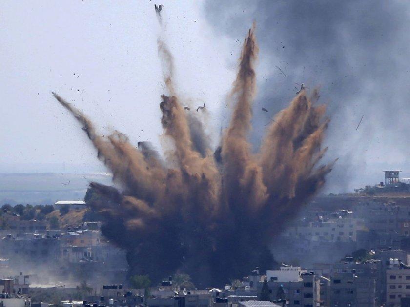 """""""Хамас"""" удари химически завод в Израел"""