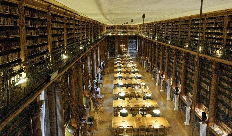 Наши класици влязоха в библиотеките на Париж