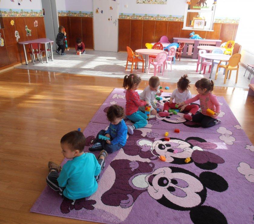 Над 10 000 деца останаха без детска градина в София