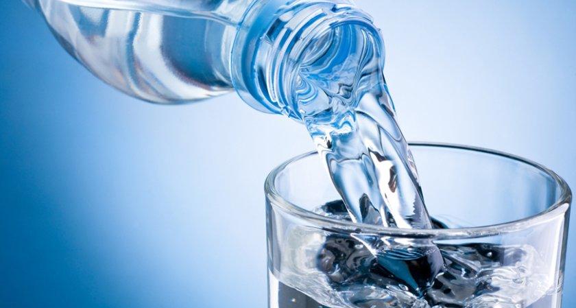 8 чаши вода? Ако тежите 67 кг – да!