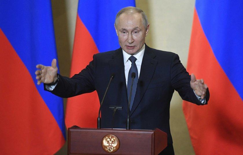 Как Русия на Путин затъна в блатото
