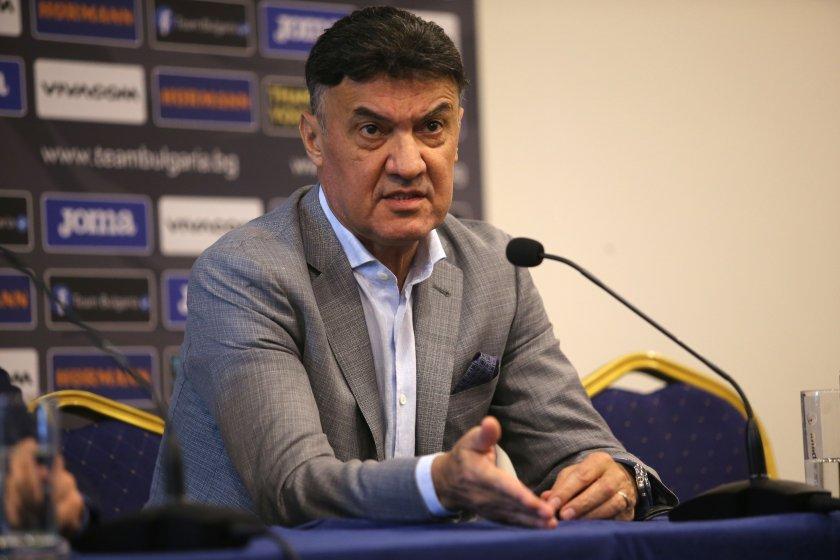 Изчегъртане и във футбола: Боби Михайлов уволни шефа в Бургас