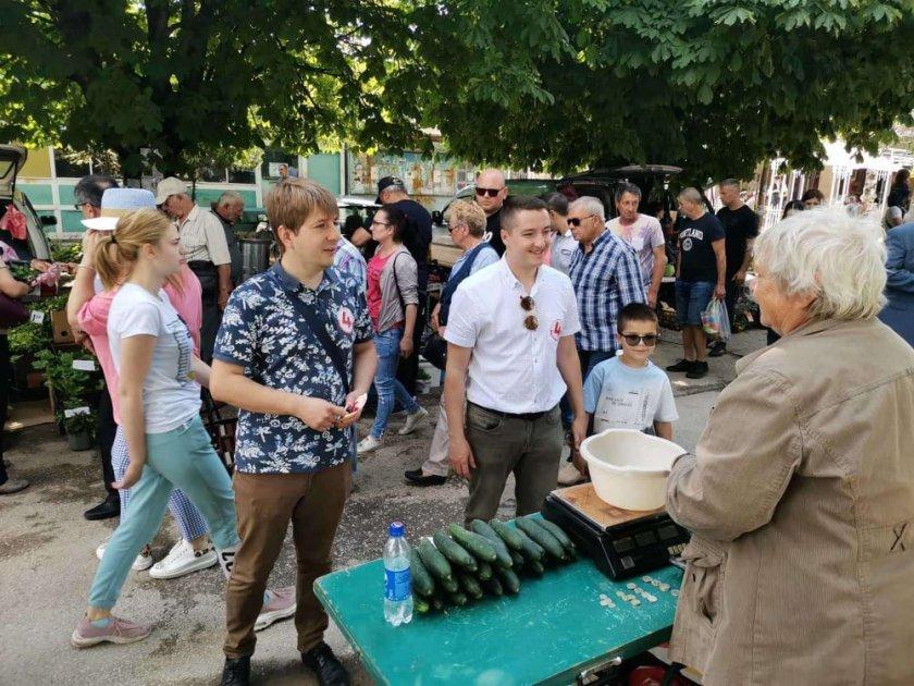 Заповед от Нинова за изборите: Агитирайте по пазарите
