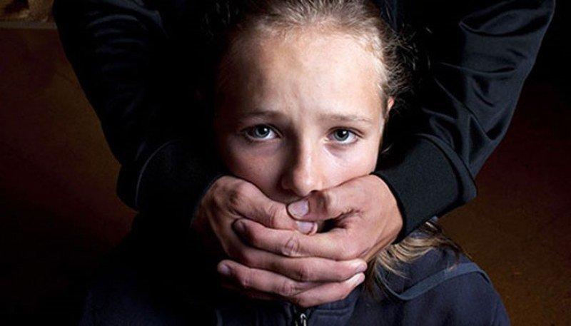 Дърт французин, блудствал с наши деца, отива в затвора
