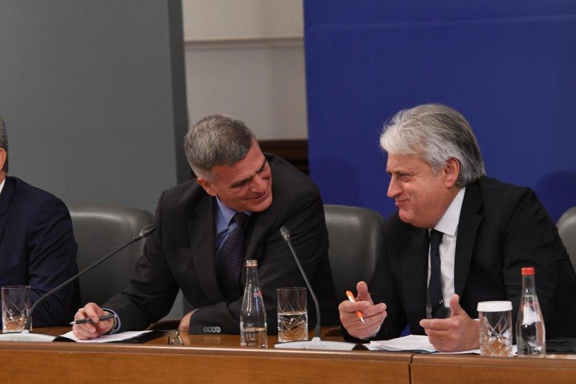 Стефан Янев събра шефовете в МВР заради изборите