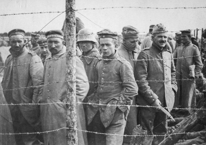 Разследват дядо, за когото се предполага, че е бил надзирател в лагер за съветски военнопленници