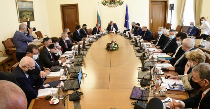 58% от българите одобряват кабинета Янев