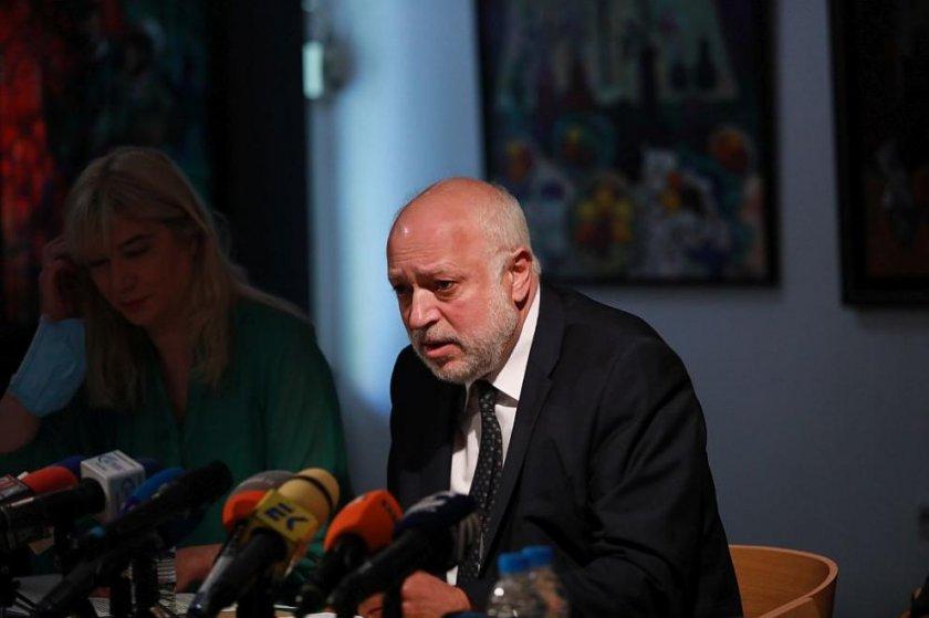 Проф. Минеков разследва борчовете на НДК