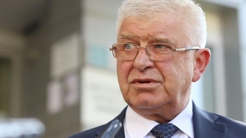 Кирил Ананиев газил закона заради Спецов