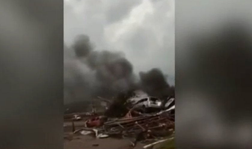 Ужас: Торнадо срази Чехия, има жертви и ранени