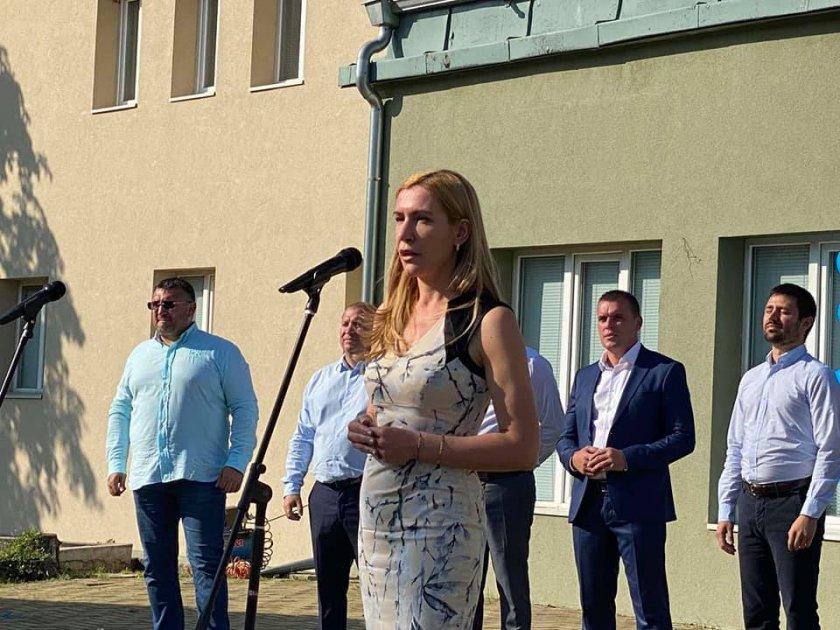 Ангелкова: В неделя гласуваме, за да бъдем спокойни за нашето утре (ВИДЕО)