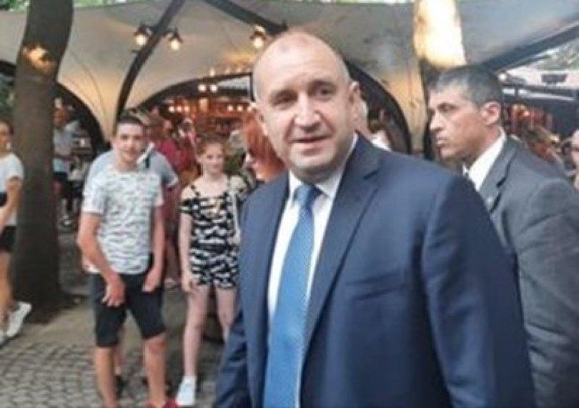 Президентът: България няма време за нови избори