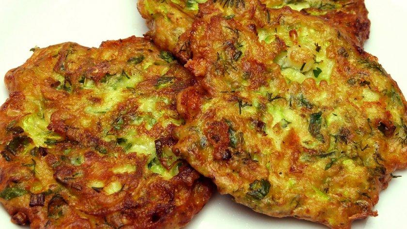 Свински зеленчукови кюфтета с моцаела