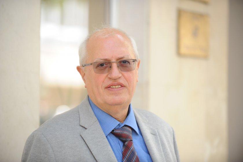 """Бивш директор на """"Пирогов"""": Може в болниците да има леко надписване на дейността"""