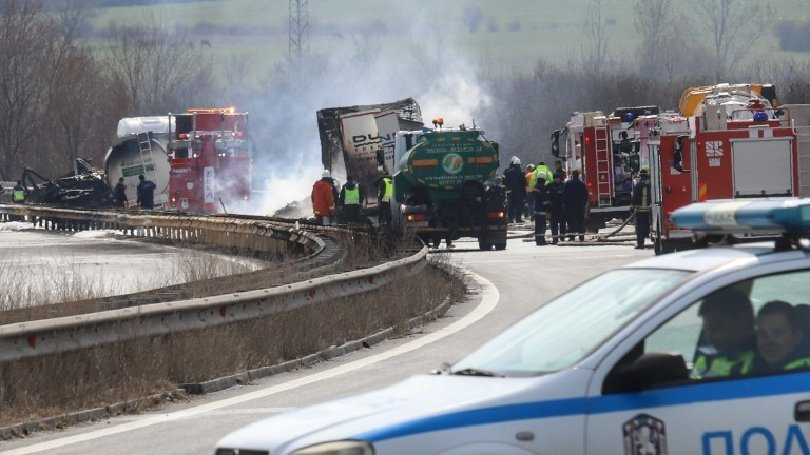 Катастрофа край Цалапица спря движението по АМ Тракия