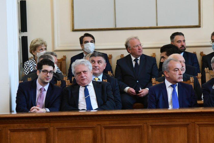 Четирима служебни министри с шанс да останат и в следващия кабинет