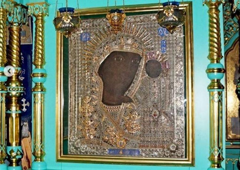 Икона на Богородица оцеля в пожар