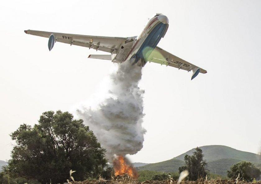 Руски самолети гасят пожари в Анталия