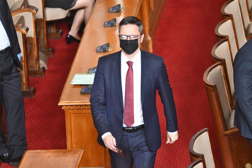Кристиан Вигенин: Нека Пламен Николов да се съобрази с поетите ангажименти
